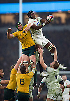 Maro Itoje of England competes with Rob Simmons of Australia for the ball at a lineout. Old Mutual Wealth Series International match between England and Australia on November 18, 2017 at Twickenham Stadium in London, England. Photo by: Patrick Khachfe / Onside Images