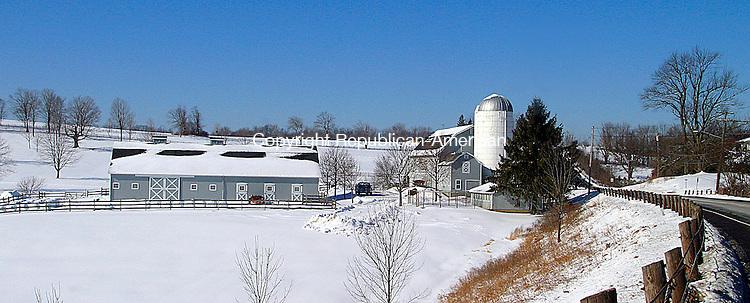 LITCHFIELD, CT. 23 JANUARY 05_NEW_020409DA05.jpg- (FOR COUNTRY) LONG RIDGE FARM IN LITCHFIELD.<br />  Darlene Douty