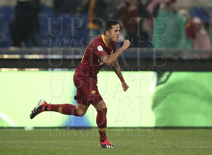 Football, Serie A: AS Roma - Genoa, Olympic stadium, Rome, December 16, 2018. <br /> Roma&rsquo;s Justin Kluivert celebrates after scoring during the Italian Serie A football match between Roma and Genoa at Rome's Olympic stadium, on December 16, 2018.<br /> UPDATE IMAGES PRESS/Isabella Bonotto