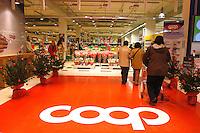 Roma, .Supermercato Coop Laurentino..Rome.Supermarket Coop Laurentino.