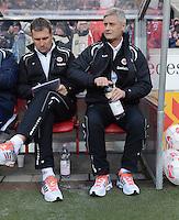 FUSSBALL   1. BUNDESLIGA  SAISON 2012/2013   9. Spieltag   VfB Stuttgart - Eintracht Frankfurt      28.10.2012 Trainer Armin Veh (re, Eintracht Frankfurt) und Co Trainer Reiner Geyer  (Eintracht Frankfurt)