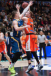 Valencia BC's Justin Hamilton and Herbalife Gran Canaria's Alen Omic during ACB match. November 29, 2015. (ALTERPHOTOS/Javier Comos)