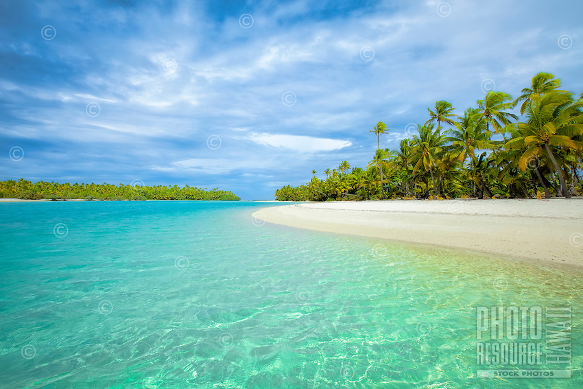 The view from the ocean fronting One Foot Island beach in Aitutaki Lagoon, Cook Islands.
