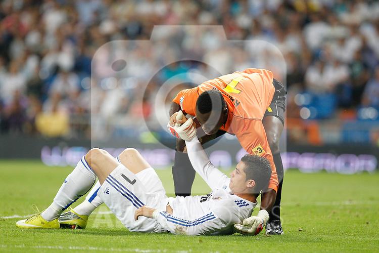 Madrid.- (21/09/10)Estadio Santiago Bernabeu..Campeonato Nacional de Liga..Real Madrid - Espanyol .Cristiano Ronaldo, Kameni...©Alex Cid-Fuentes/AlfaquiFotografia