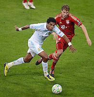 FUSSBALL   CHAMPIONS LEAGUE  VIERTELFINAL RUECKSPIEL   2011/2012      FC Bayern Muenchen - Olympic Marseille          03.04.2012 Holger Badstuber (re, FC Bayern Muenchen) gegen Brandao (Olympique Marseille)