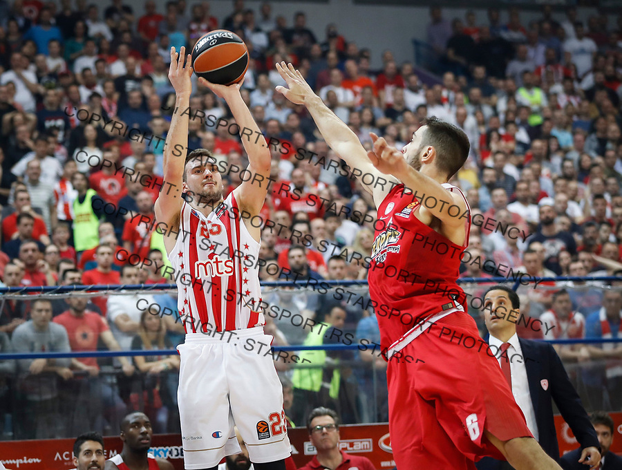 Kosarka Euroleague season 2016-2017<br /> Crvena Zvezda v Olympiacos (Athens)<br /> Marko Guduric and Ioannis Papapetrou (R)<br /> Beograd, 22.03.2017.<br /> foto: Srdjan Stevanovic/Starsportphoto &copy;
