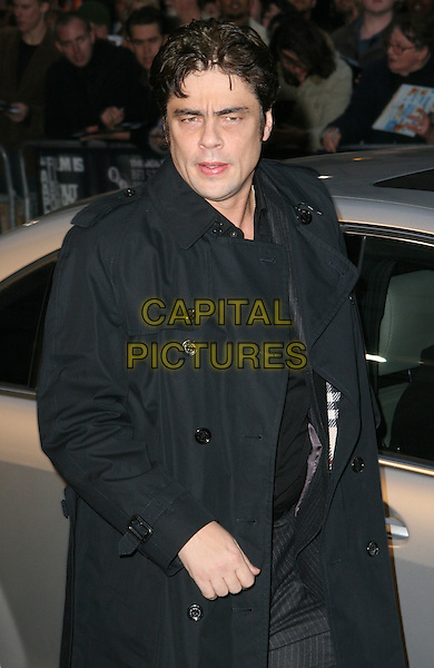 "BENICIO DEL TORO.London Film Festival screening of ""Che"" at the Odeon West End, London, England. .October 25th 2008.LFF half length black trench coat.CAP/JIL.©Jill Mayhew/Capital Pictures"
