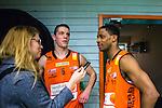 S&ouml;dert&auml;lje 2014-01-03 Basket Basketligan S&ouml;dert&auml;lje Kings - Bor&aring;s Basket :  <br /> Bor&aring;s James &quot;JJ&quot; Miller och Bor&aring;s Roope Ahonen intervjuas av Expressen reporter efter matchen <br /> (Foto: Kenta J&ouml;nsson) Nyckelord:  glad gl&auml;dje lycka leende ler le intervju