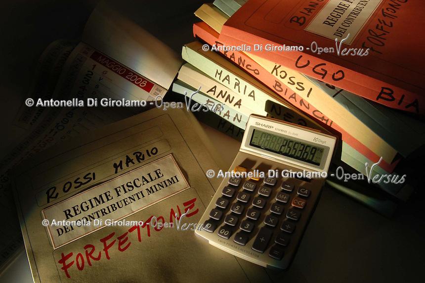 Dichiarazione dei redditi. Forfettone. Regime fiscale dei cotribuenti minimi.