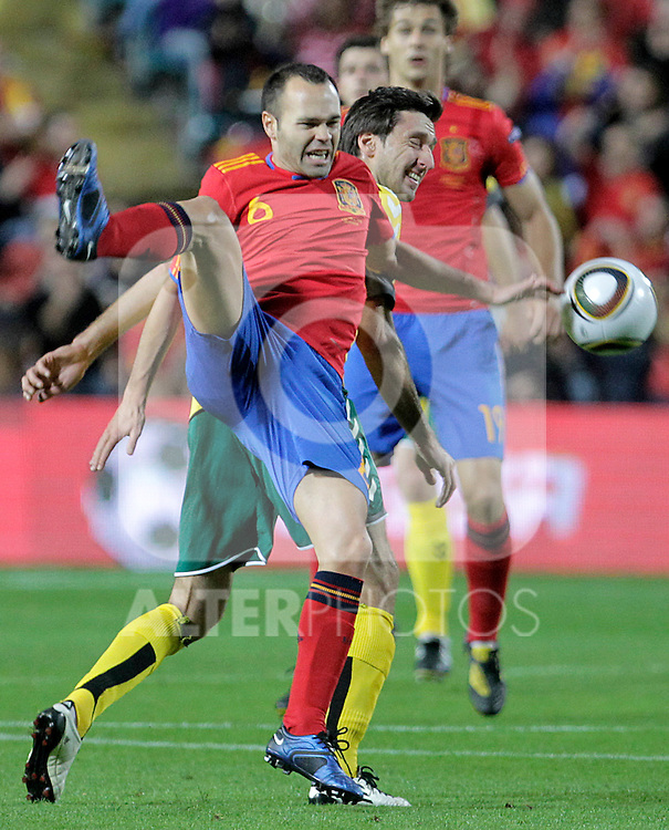 Spain's Andres Iniesta (l) and Lithuania's Tadas Kijanskas during UEFA Eurocup 2012 qualifying match.October 8,2010. (ALTERPHOTOS/Acero)