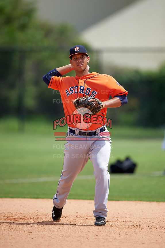 Houston Astros Randy Cesar (17) during practice before a minor league Spring Training game against the Detroit Tigers on March 30, 2016 at Tigertown in Lakeland, Florida.  (Mike Janes/Four Seam Images)