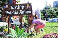 RIO DE JANEIRO, RJ, 08 DE JUNHO DE 2013 -ATO POR ENGENHEIRA DESAPARECIDA-PATRICÍCIA AMIEIRO-05 ANOS- Manifestação dos 5 anos da morte da Engenheira desaparecida Patrícia Amieiro, na entrada da Barra da Tijuca, onde ocorreu o ?suposto acidente? (Antiga placa ?Sorria você está na Barra?) foi colocado um grande painel, de quatro metros de altura, feito especialmente para a manifestação, nele estarão os dizeres:?. 5 anos, em Busca de Justiça,essa manifestação ocorreu dias antes de o juiz do caso, Fábio Uchôa ,se pronunciar sobre o caso. Isso quer dizer: que o Juiz decidirá se o caso vá ou não à júri popular. .Rio de Janeiro.FOTO:MARCELO FONSECA/BRAZIL PHOTO PRESS