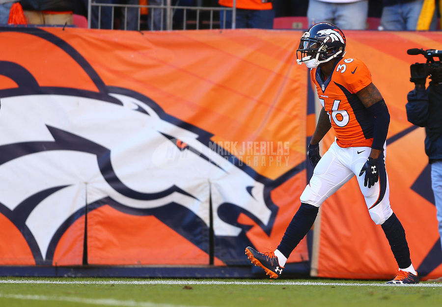 Jan 17, 2016; Denver, CO, USA; Denver Broncos cornerback Kayvon Webster (36) against the Pittsburgh Steelers during the AFC Divisional round playoff game at Sports Authority Field at Mile High. Mandatory Credit: Mark J. Rebilas-USA TODAY Sports