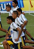 BARRANQUILLA, COLOMBIA - 18-03-2013: Jugadores de la Selección Colombia durante entreno en Barranquilla, marzo 18 de 2103. El equipo colombiano se prepara en Barranquilla para los partidos contra Bolivia el 22 de marzo y Venezuela el 26 de marzo, partidos clasificatorios a la Copa Mundial de la FIFA Brasil 2014. (Foto: VizzorImage / Luis Ramírez / Staff). Jugadores of the Colombian national team during a training session in Barranquilla on March 18, 2012. The Colombia team prepares for the games against Bolivia next March 23 and Venezuela on March 26, matchs qualifying for the FIFA World cup Brazil 2014. (Photo: VizzorImage / Luis Ramirez/ Staff).