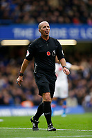 9th November 2019; Stamford Bridge, London, England; English Premier League Football, Chelsea versus Crystal Palace; Referee Mike Dean - Strictly Editorial Use Only. No use with unauthorized audio, video, data, fixture lists, club/league logos or 'live' services. Online in-match use limited to 120 images, no video emulation. No use in betting, games or single club/league/player publications