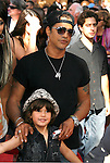 "Musician Slash arrives at the American Premiere of ""The Mummy: Tomb Of The Dragon Emperor at the Gibson Amphitheatre on July 27, 2008 in Universal City, California."