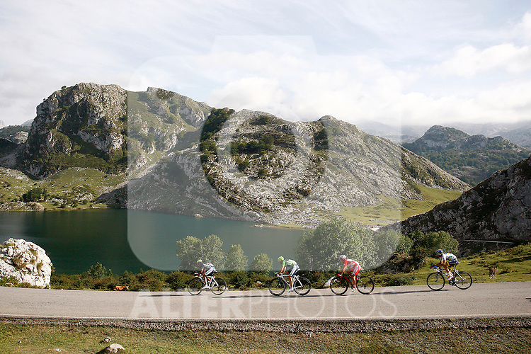 Alberto Contador (w), Alejandro Valverde (g), Joaquin Purito Rodriguez (r) and Nairo Alexander Quintana pass by the Lakes of Covadonga during the stage of La Vuelta 2012 between La Robla and Lagos de Covadonga.September 2,2012. (ALTERPHOTOS/Paola Otero)