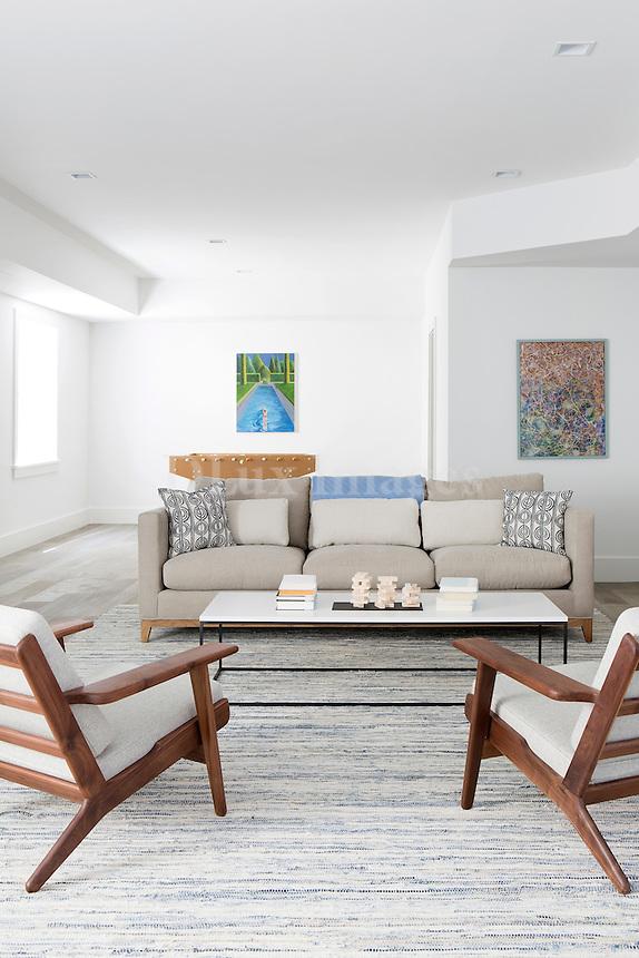 Modern bright sitting room