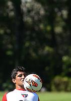 SÃO PAULO,SP,06 marco 2013 - TREINO SAO PAULO - Aloisio durante treino do Sao Paulo no CT da Barra Funda , zona oeste de Sao Paulo, na manha desta quarta feira. O time se prepara para o jogo  contra Arsenal de Sarandi da Argentina em Sao Paulo valido pela primeira fase da Taca Libertadores da America 2013. FOTO ALAN MORICI - BRAZIL FOTO PRESS