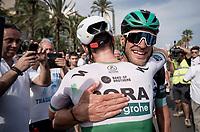 Sam Bennett (IRL/Bora-Hansgrohe) wins the bunch sprint into Alicante & is congratulated by teammate Jempy Drucker (LUX/Bora-Hansgrohe)<br /> <br /> Stage 3: Ibi. Ciudad del Juguete to Alicante (188km)<br /> La Vuelta 2019<br /> <br /> ©kramon