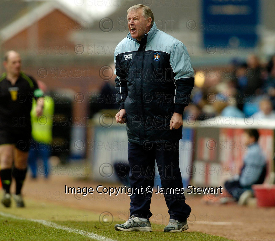 18/03/2006         Copyright Pic: James Stewart.File Name : sct_jspa16_kilmarnock_v_falkirk.KILMARNOCK MANAGER JIM JEFFRIES DURING THE GAME AGAINST FALKIRK....Payments to :.James Stewart Photo Agency 19 Carronlea Drive, Falkirk. FK2 8DN      Vat Reg No. 607 6932 25.Office     : +44 (0)1324 570906     .Mobile   : +44 (0)7721 416997.Fax         : +44 (0)1324 570906.E-mail  :  jim@jspa.co.uk.If you require further information then contact Jim Stewart on any of the numbers above.........