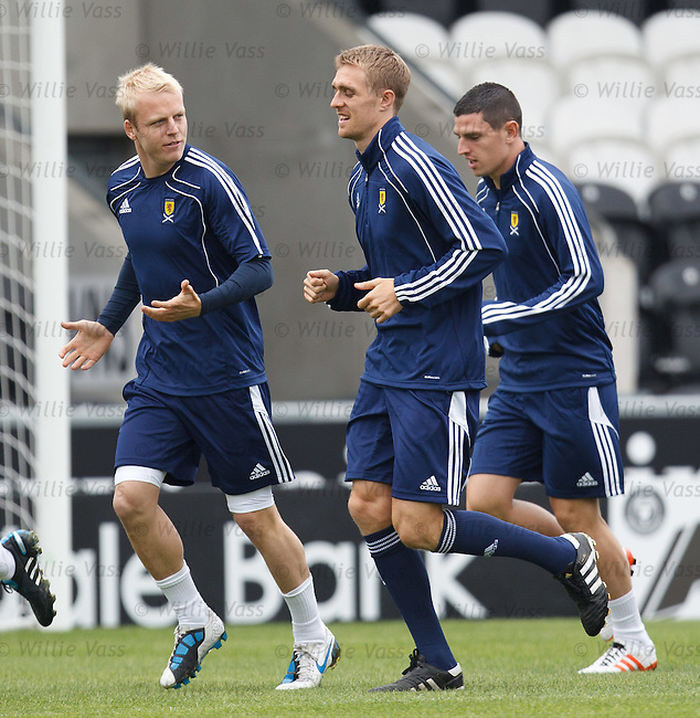 Steven Naismith asks some searching questions of Darren Fletcher