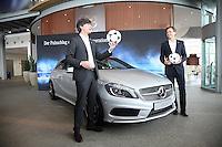 Bundestrainer Joachim Loew und Nationalmannschafts-Manager Oliver Bierhoff im Mercedes Werk in Rastatt