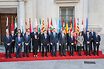 Spanish Prime Minister Mariano Rajoy and Felipe VI of Spain pose for a photo with the Presidents of 17 autonomous governments at the Senate in Madrid, January  17, 2017. (ALTERPHOTOS/Rodrigo Jimenez)