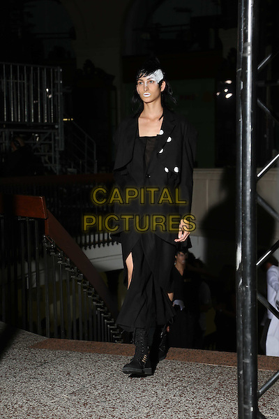 Yohji Yamamoto<br /> Paris Fashion Week Spring Summer 2017<br /> on September 29, 2016<br /> CAP/GOL<br /> &copy;GOL/Capital Pictures