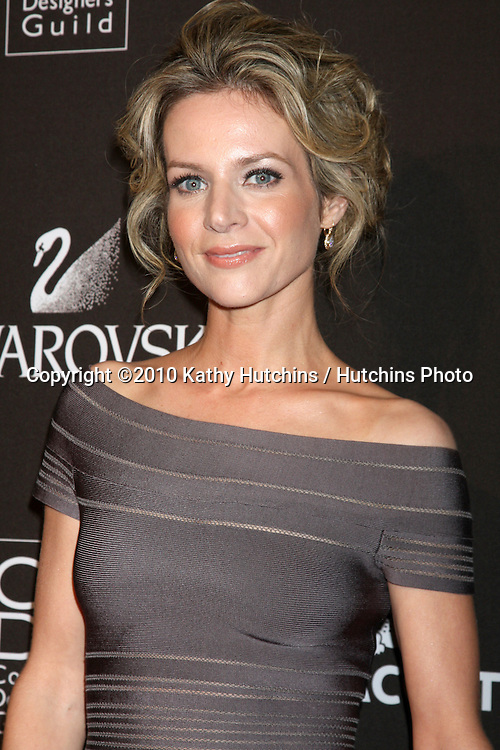 Jessalyn Gilsig.arriving at the 2010 Costume Designer's Guild Awards.Beverly Hilton Hotel.Beverly Hills, CA.February 25, 2010.©2010 Kathy Hutchins / Hutchins Photo....