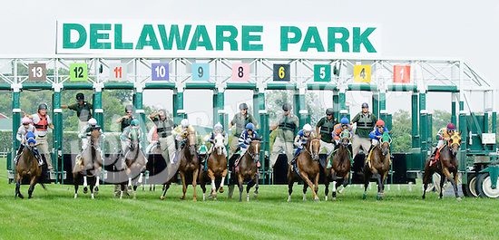 Embracing Hearts winning at Delaware Park on 8/2/12