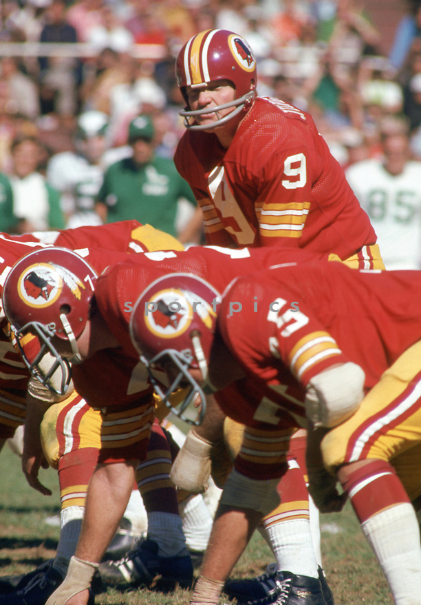 Washington Redskins Sonny Jurgenson (9) during a game from his 1972 season with the Washington Redskins. Sonny Jurgenson played for 18 seasons with 3 different teams, was a 5-time Pro Bowler and was inducted into the Pro Football Hall of Fame in 1983.(SportPics)