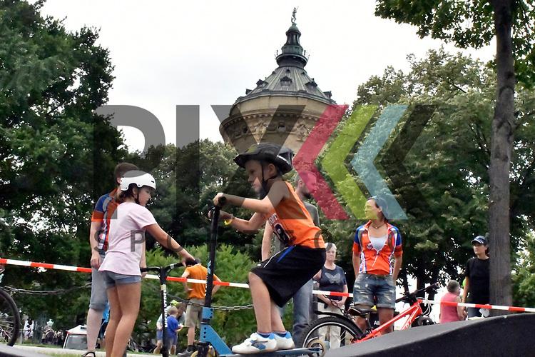 Mannheim 16.07.17 28. Sport &amp; Spiel am Wasserturm im Bild Kris Haberland auf einem Roller.<br /> <br /> Foto &copy; Ruffler For editorial use only. (Bild ist honorarpflichtig - No Model Release!)