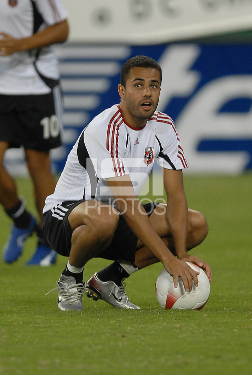 DC United midfielder Fred (7) during pre-game warmups. DC United defeated CD Guadalajara 2-1 in the first game of a home and home round of 16 match in the 2007 Copa Nissan Sudamericana at RFK Stadium in Washington DC, on Wednesday September 26, 2007.