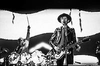 CIUDAD DE MEXICO, D.F. 12 de octubre.-  Beck en el segundo día del Corona Capital en el Autódromo Hermanos Rodríguez de la Ciudad de México, el el 12 de octubre de 2014.  FOTO: ALEJANDRO MELENDEZ