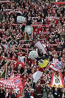 Bayern Fans feiern die Meisterschaft