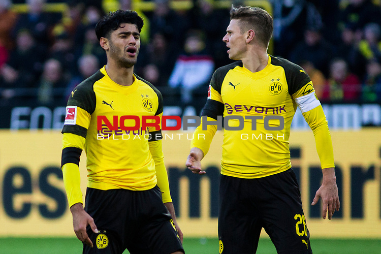 09.02.2019, Signal Iduna Park, Dortmund, GER, 1.FBL, Borussia Dortmund vs TSG 1899 Hoffenheim, DFL REGULATIONS PROHIBIT ANY USE OF PHOTOGRAPHS AS IMAGE SEQUENCES AND/OR QUASI-VIDEO<br /> <br /> im Bild | picture shows:<br /> Enttäuschung bei Mahmoud Dahoud (Borussia Dortmund #19) und Lukasz Piszczek (Borussia Dortmund #26),  <br /> <br /> Foto © nordphoto / Rauch
