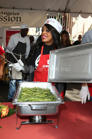 Los Angeles, CA - November 25 Niecy Nash Attending Los Angeles Mission Thanksgiving For The Homeless At The Los Angeles Mission On November 25, 2015. Photo Credit: Faye Sadou / MediaPunch