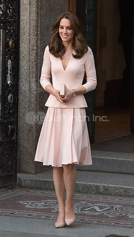 LONDON, ENGLAND - MAY 04:  Catherine, Duchess of Cambridge leaving the National Portrait Gallery in London, England. 4th May 2016. after viewing the Vogue 100: A Century of Style exhibition,<br /> CAP/JWP<br /> &copy;JWP/Capital Pictures /MediaPunch ***NORTH AMERICAN AND SOUTH AMERICAN SALES ONLY***