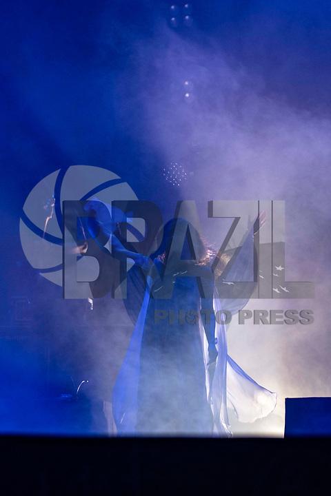 """SÃO PAULO, SP, 22.12.2018 - SHOW - SP - Ana e Vitória fazem última apresentação do show """"O tempo é agora"""", no Espaço das Américas, zona oeste de São Paulo, neste sábado, 22.(Foto: Bruna Grassi/Brazil Photo Press)"""