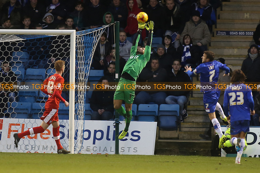 Chesterfield goalkeeper, Tommy Lee, makes another fine save. Tommy is making his 250th League appearance for Chesterfield today - Gillingham vs Chesterfield - Sky Bet League One Football at Priestfield Stadium, Gillingham, Kent - 20/12/14 - MANDATORY CREDIT: Paul Dennis/TGSPHOTO - Self billing applies where appropriate - contact@tgsphoto.co.uk - NO UNPAID USE