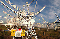 - CNR (Consiglio Nazionale delle Ricerche) radiotelescopio &quot;Croce del Nord&quot; a Medicina (Bologna), antenna di transito; il telescopio fa parte del progetto internazionale SETI (Ricerca di Intelligenza Extraterrestre)<br /> <br /> - CNR (National Research Council), radio telescope &quot; Cross of the North &quot; at Medicina ( Bologna, Italy ), transit antenna; the telescope is part of the international project SETI (Search for Extraterrestrial Intelligence)