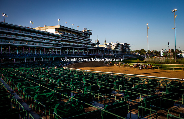 September 5, 2020: The field for the 2020 Kentucky Derby races in front of an empty grandstand due to the Coronavirus Pandemic, Churchill Downs in Louisville, Kentucky, on September 05, 2020. Evers/Eclipse Sportswire/CSM