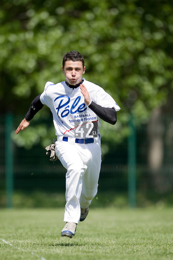 30 April 2008: Mathieu Lapinski of France runs during the first of seven 2008 MLB European Academy Try-out Sessions throughout Europe, at Stade Kandy Nelson Ball Park, in Toulouse, France. Try-out sessions are run by members of the Major League Baseball Scouting Bureau with assistance from MLBI staff.