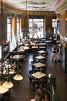 HUN, Ungarn, Budapest, Stadtteil Pest, Zentrum: Kaffeehaus Centrál, innen   HUN, Hungary, Budapest, Pest District, centre: coffee-house Centrál, inside