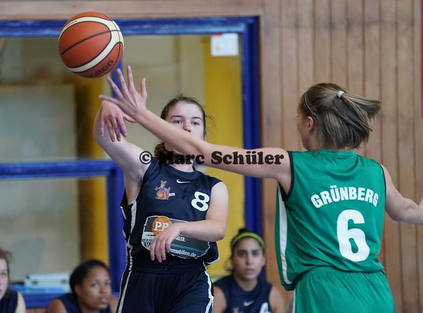 Helena Engel (TV Groß-Gerau) gegen Janina Bauer (Grünberg) - Gross-Gerau 21.09.2019: TV Groß-Gerau vs. TSV Grünberg, Oberliga Damen