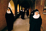 CATHOLIC NUNS, ST MARY AT THE CROSS, LONDON 1989-  RETURNING FROM VESPERS. EDGWARE LONDON.