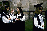 'OXFORD UNIVERSITY' 1995, MAGDALEN COLLEGE STUDENTS GET READY FOR THE GROUP PHOTOGRAPH, 1995
