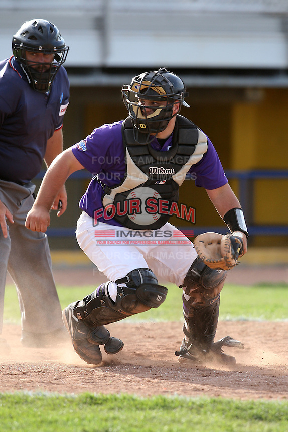 April 14, 2010:  Catcher Evan Wexler of the Niagara Falls Purple Eagles during a game at Sal Maglie Stadium in Niagara Falls, NY.  Photo By Mike Janes/Four Seam Images
