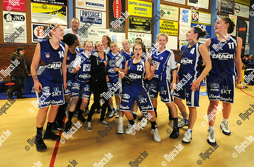 2012-04-25 / Basketbal / seizoen 2011-2012 / Ieper is landskampioen basketbal bij de dames...Foto: Mpics.be